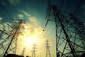 COSTOS DE GENERACIÓN DE ELECTRICIDAD RESULTAN HASTA 85% MÁS BARATOS EN EMPRESAS PRIVADAS