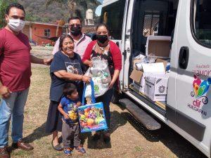 ENTREGA DIF DE HUILOAPAN DESPENSAS A FAMILIAS VULNERABLES DE CONGREGACIONES Y CABECERA MUNICIPAL