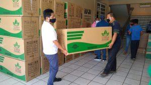 Alcalde a Atzacan activa programa de calentadores solares.