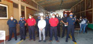 Festejan autoridades de Orizaba a integrantes del heroico cuerpo de bomberos.