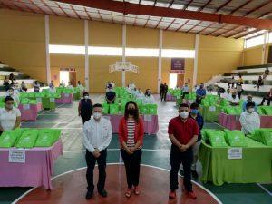 Gómez Cazarín acompañó al alcalde de Orizaba en entrega de útiles escolares.