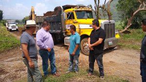 Entrega alcalde de Atzacan obra de rehabilitación del crucero camino a Matlalpa.