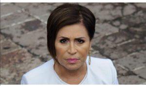 Rosario Robles permanecerá en prisión, se va a juicio oral.