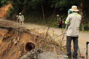 SIOP Veracruz realiza el levantamiento topográfico de la carretera Cumbre de Tuxpango a Campo Chico y Calle 12.