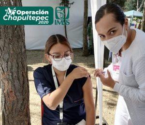 Inician aplicación de vacuna para personal médico y de enfermería que atiende COVID-19