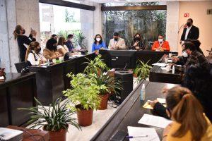 Se reúne diputada Florencia Martínez con integrantes de colectivos de búsqueda.