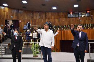 Ante el Pleno, rinden protesta de Ley tres nuevos diputados.