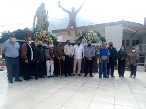 JUBILADOS DE LA FABRICA TEXTIL DE RIO BLANCO MONTARON GUARDIA DE HONOR EN MEMORIA DE LA MATANZA DE OBREROS DEL SIETE DE ENERO