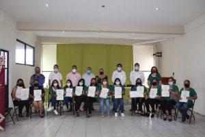 Otorga ICATVER diplomas de asistente educativo en Atzacan.
