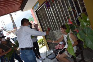 Buscará Ricardo Pérez programas de capacitación, para que mujeres se auto empleen en Río Blanco.