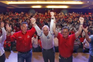 Multitudinario respaldo priísta a Guillermo Rivas.