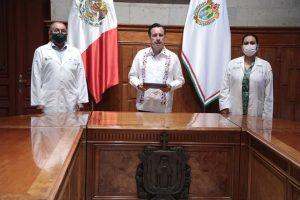 Informa gobernador Cuitláhuac García sedes y fechas para vacunación.