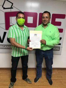 Recibe Ernesto Torres Navarro constancia de Mayoría en la ciudad de Xalapa.