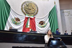 """Plantea diputada iniciativa que busca prohibir discriminación a estudiantes """"por apariencia""""."""