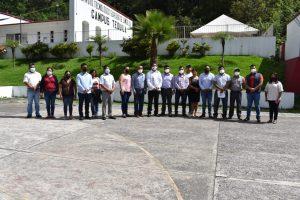 Alcaldes de la zona serrana sostienen reunión con directivos del Tecnológico de Zongolica reciben capacitación.